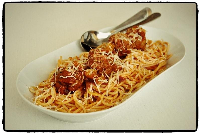 spaghetti with meatballs, mäsové gule so špagetami
