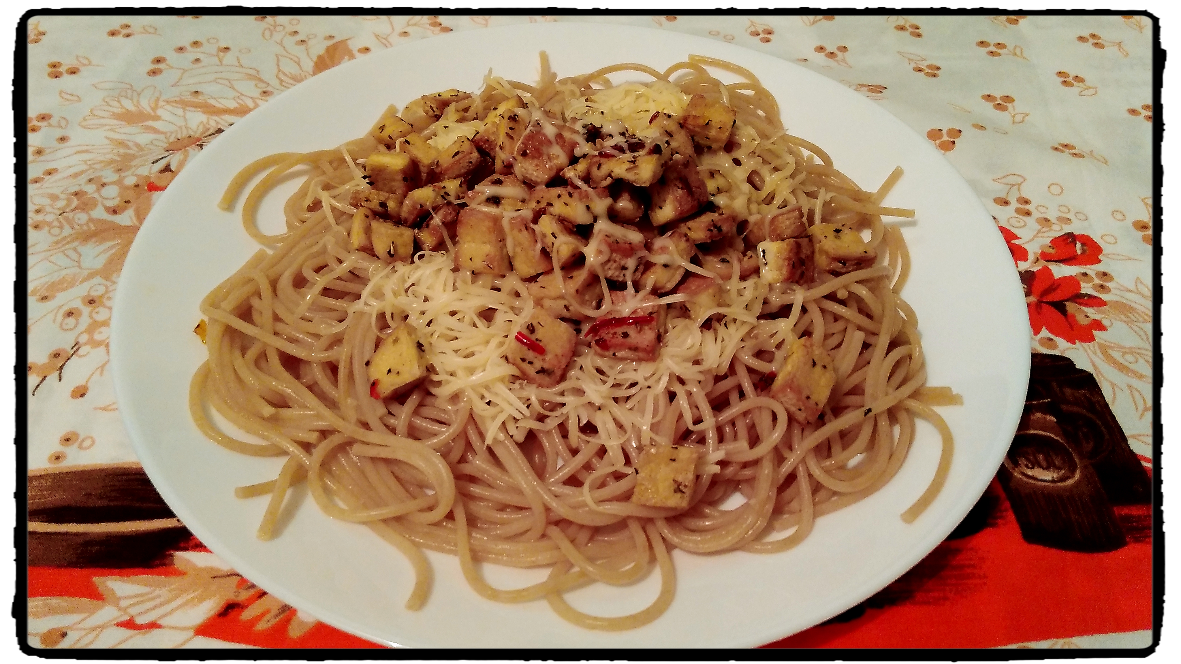 špagety, pasta, tofu, healthy food, chilli