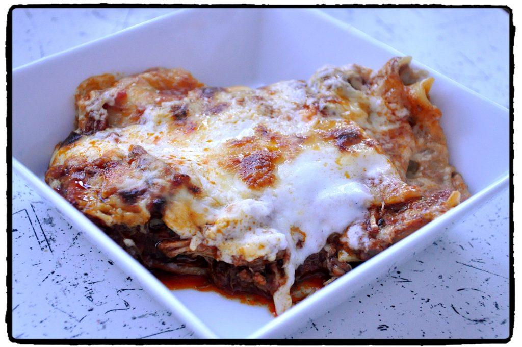 lasagne, mozzarella, parmezán, chilli