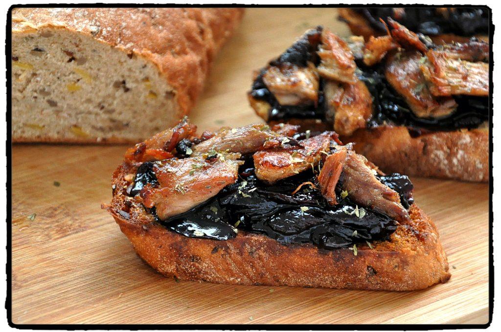 duck, onion, cibuľa, toasty, garlic, cesnak